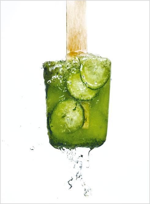 טיפ: אפשר להקפיא את המחית בתבנית של קוביות קרח ולהשתמש בהן לתיבול לימונדה או לזרוק למרק גספצ'ו צונן (צילום: בן יוסטר, סגנון: דיאנה לינדר)