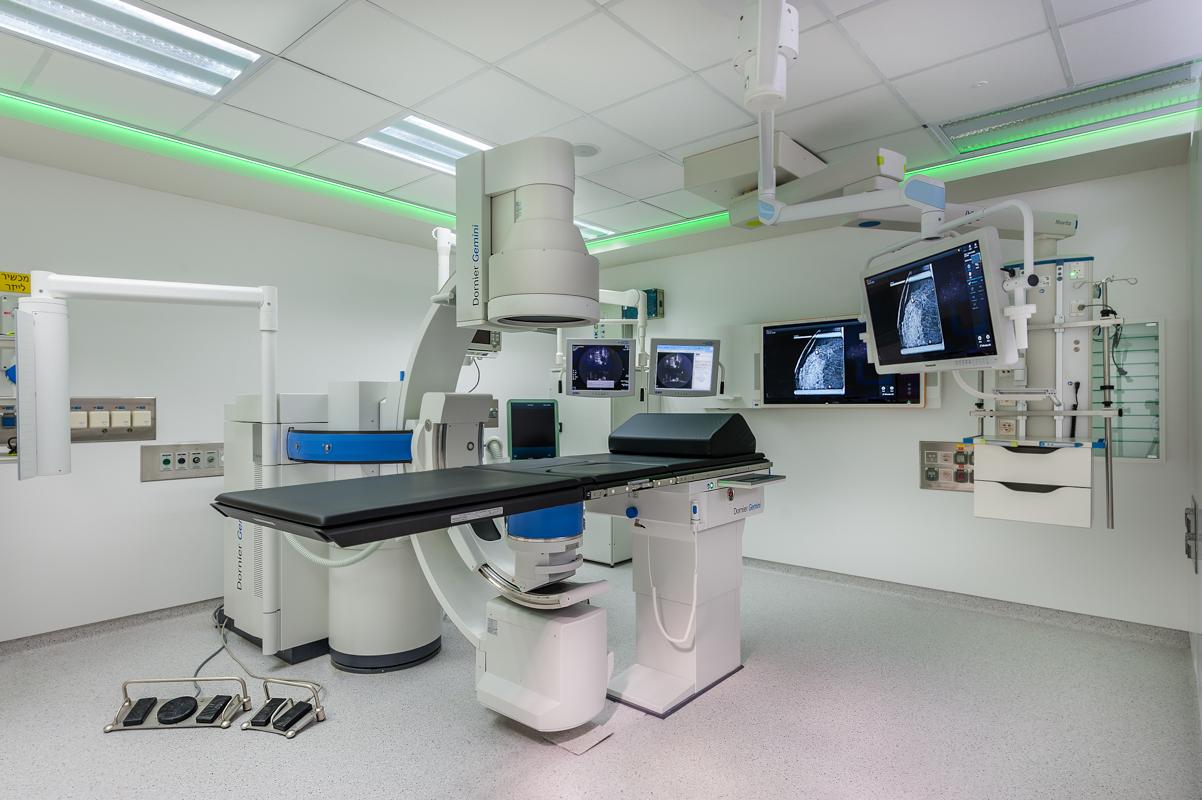 """Процедурная комната для удаления камней в больнице """"Ха-Шарон"""""""