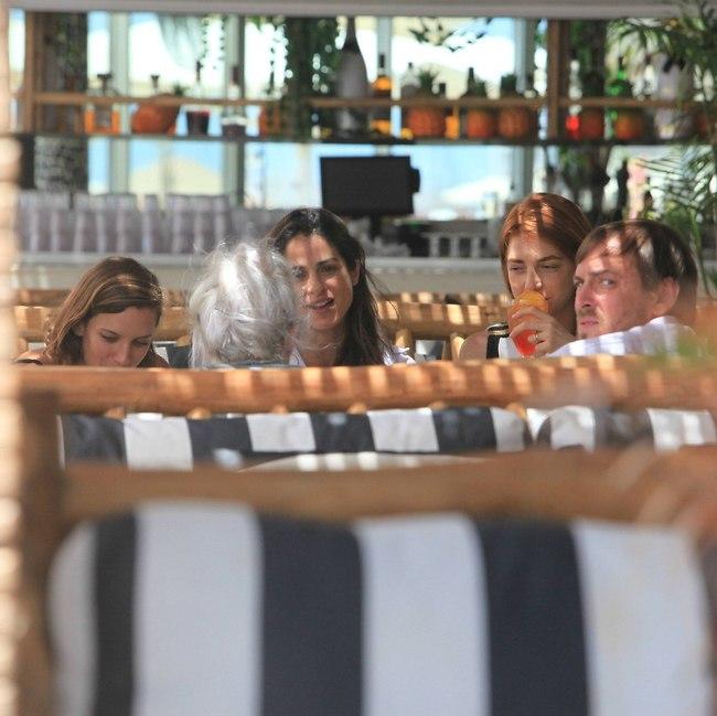 קוקטייל של צהריים. מאיה ורטהיימר, אסף זמיר, נסלי ברדה ואירית מגל (צילום: מוטי לבטון)