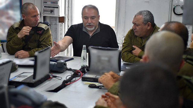 Defense Minister Lieberman with IDF Chief Gadi Eisenkot (Photo: Ariel Harmoni/GPO)