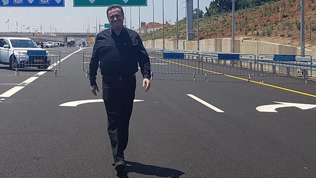 שר התחבורה ישראל כץ כביש 531 איילון כביש 20 (צילום: משרד התחבורה)