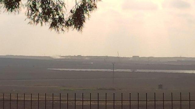 טנק יורה על עמדת חמאס (צילום: רועי עידן)