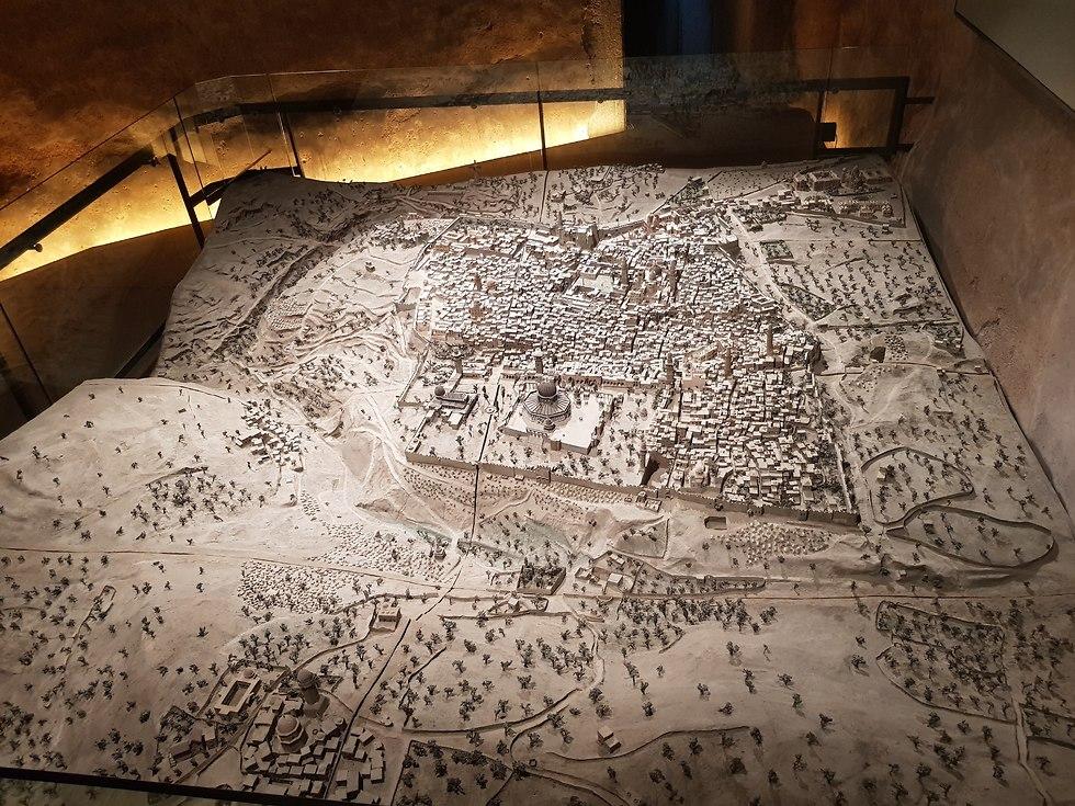 דגם של ירושלים מהמאה ה-19 (צילום: רון פלד)