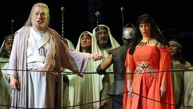 מתוך המופע (צילום: מוטי קמחי)