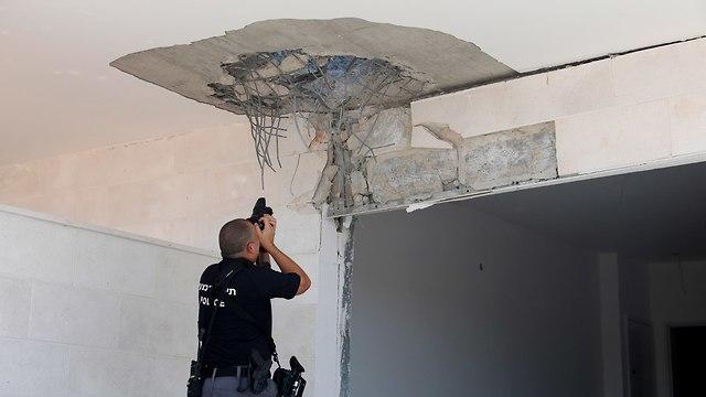 הבית בשדרות שנפגע (צילום: EPA)