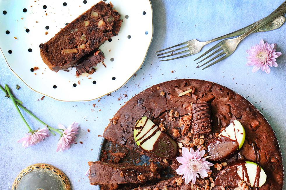 עוגת שוקולד-מסאלה ותפוחים ללא גלוטן (צילום: הודליה כצמן Bake Care)