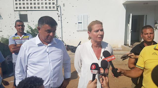 Gabbay and Livni in Sderot (Photo: Roi Rubinstein)