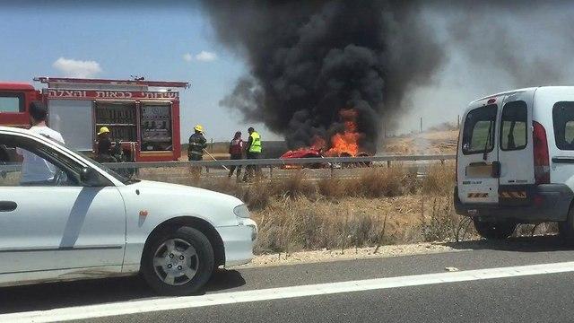 שריפה בכביש (אביאל יהב)