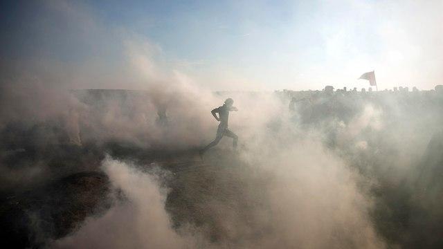 הפגנות אלימות בעזה (צילום: AP)