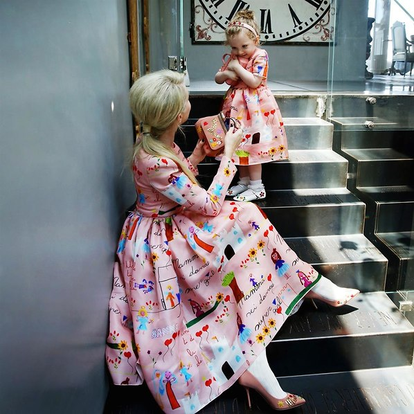 אין כמו שמלות מסתובבות (צילום: מארק מורפיו)