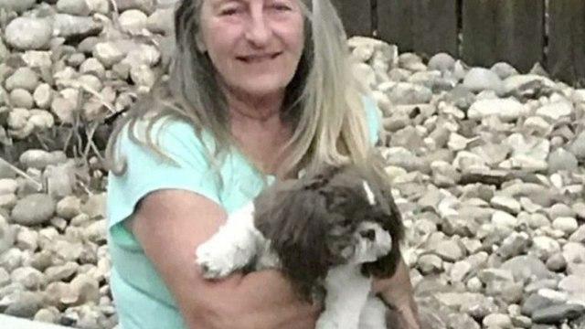 Шарон Ларсон и ее любимая собака