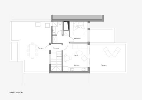 תוכנית יחידת המגורים בקומה העליונה: שני חדרים ומרפסת (תוכנית: יונתן קנטי)