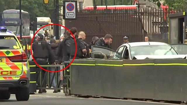 דריסה ליד בניין הפרלמנט בלונדון (צילום: AP)