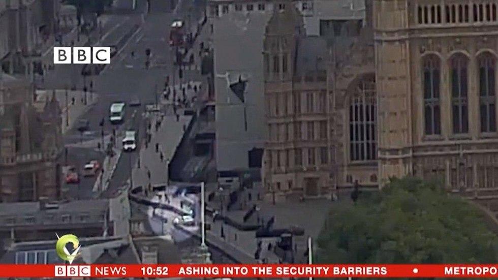 פיגוע דריסה לונדון תיעוד רגע דריסה בריטניה טרור ()