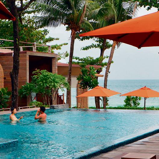 הבריכה במלון SAI KAEW בקו־סאמט