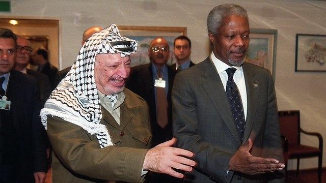 Арафат и Аннан в 1990 году. Фото: AFP