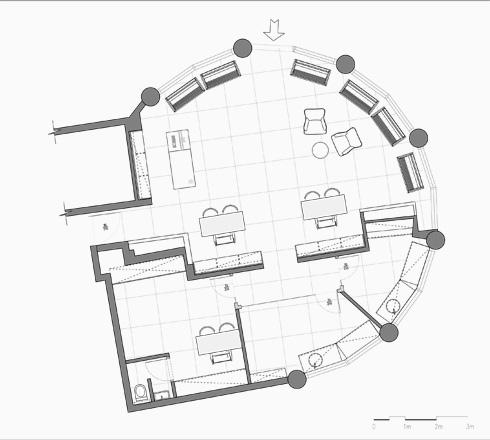 תוכנית העסק, שלו שתי כניסות: מהרחוב ומתוך בניין המשרדים שבו הוא שוכן (תוכנית: אסקולה שקד אדריכלים)