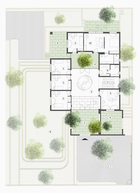 חדרי הטיפול והלימודים מקיפים מרחב מרכזי, שבו שולבו פנים וחוץ (תוכנית: פלסנר אדריכלים)