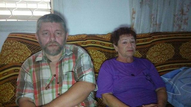 Муж погибшей Хавы Шмуль Ройзен и ее мать Нина. Фото: Меши Бен-Ами