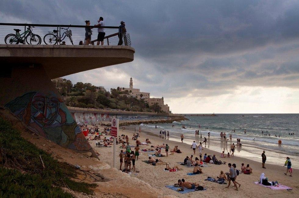 Tel aviv's beach promenade leads right into Jaffa