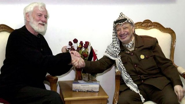 Second meeting with Arafat in 2002 (Photo: AP)