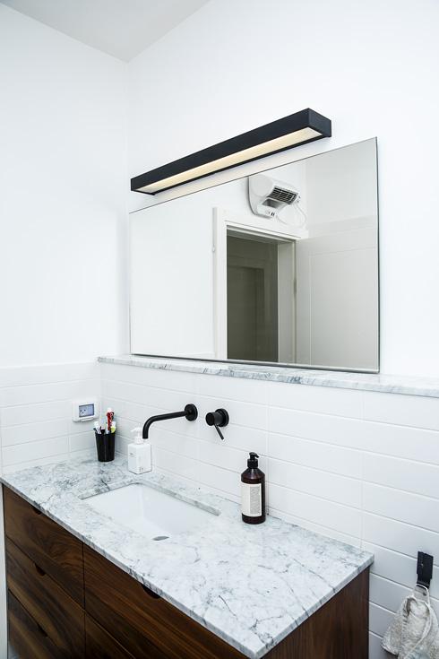 חדר האמבטיה (צילום: ענבל מרמרי)