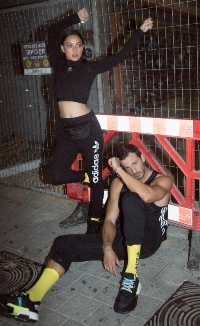 על הברזלים. אנה ארונוב ומייקל לואיס (צילום: אלעד אדמוני)