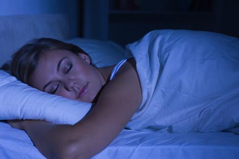 הצום הלילי מאפשר למערכת לתקן מיני תקלות שיש בה ובתאים נוספים בגוף (צילום: Shutterstock)