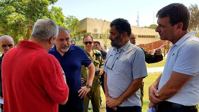 Lieberman visits Israeli communities on the Gaza border  (Photo: Roee Idan)