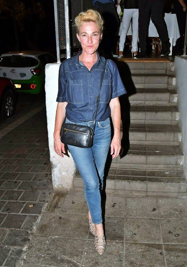 קלמר הג'ינס האהוב עלינו. מיה דגן (צילום: אמיר מאירי)