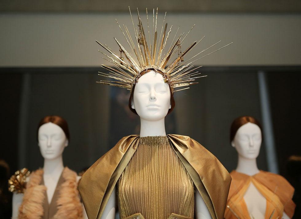 """מיליון מבקרים לא טועים. התערוכה """"גופים שמימיים: אופנה והדמיון הקתולי""""  (צילום: Jemal Countess/GettyimagesIL)"""