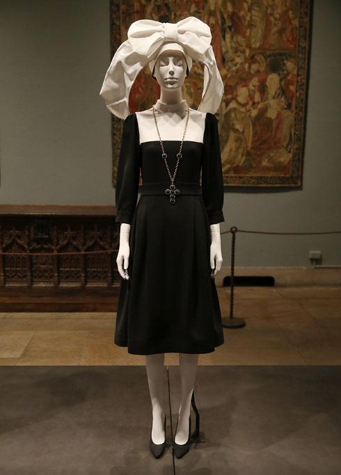 """מתוך """"גופים שמימיים: אופנה והדמיון הקתולי"""" (צילום: Jemal Countess/GettyimagesIL)"""