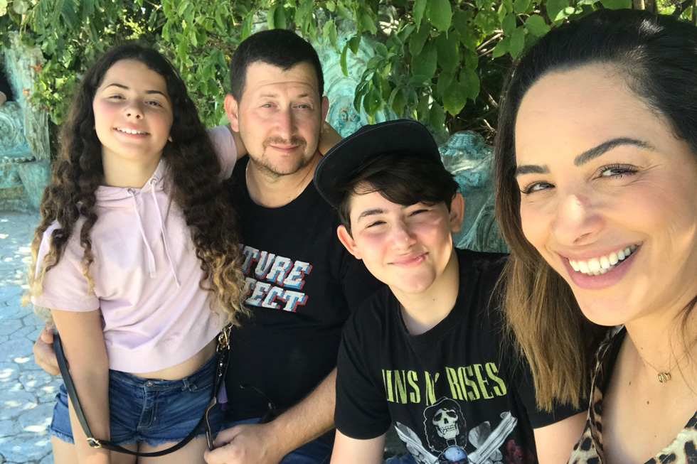 המשפחה שלי, במעבר מחופשה לשיגרה. מימין: אני, אביתר, אסף ואלה