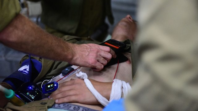Monitoring equipment attached to casualties' bodies (Photo: IDF Spokesperson's Unit )