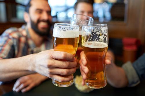 Чт лучше выпить перед сексом пиво или алкоголь
