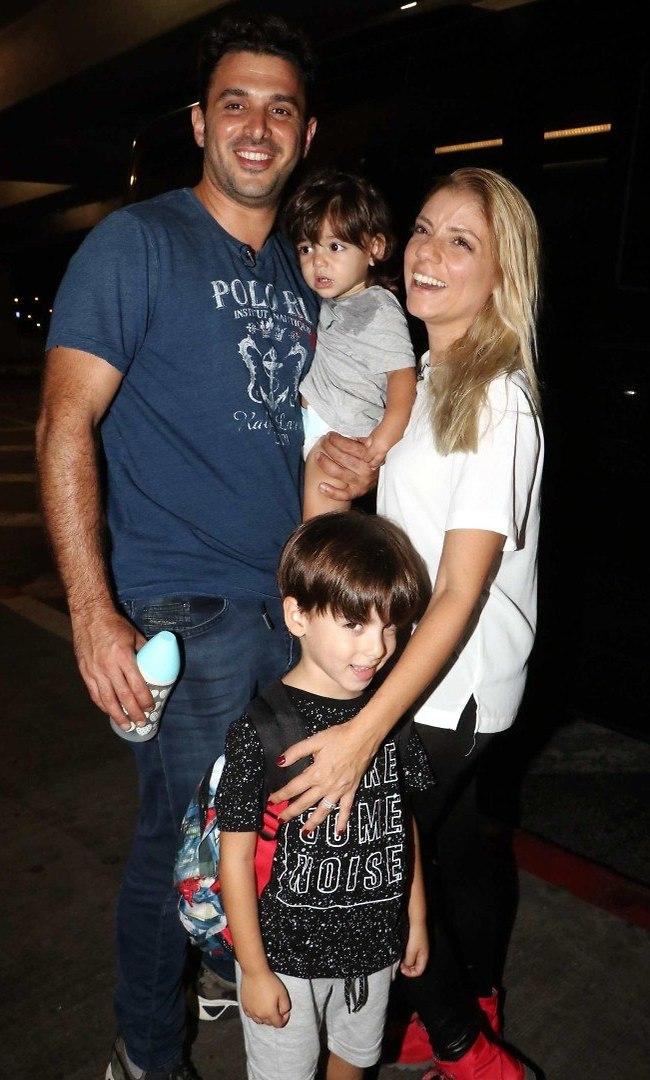 כמובן שכל המשפחה איתה. מימון עם הבעל יוני והילדים איתי ועילאי (צילום: אמיר מאירי)