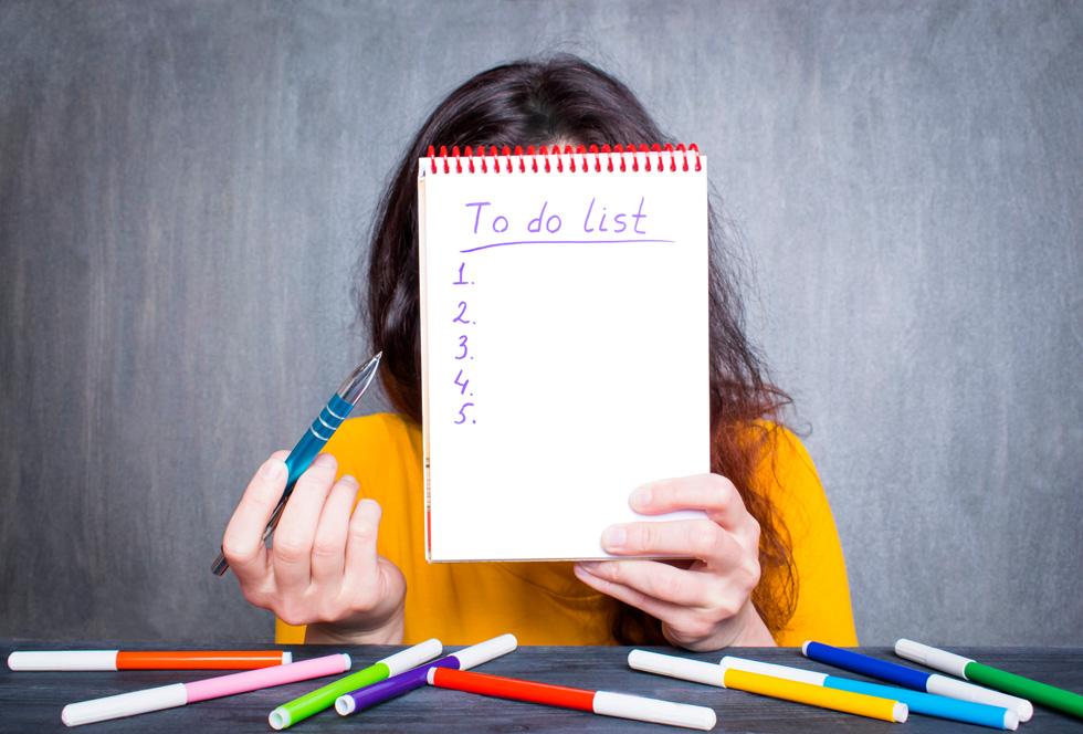 שימוש ברשימת מטלות מרגיע את הלחץ ומקל על העומס (צילום: Shutterstock)