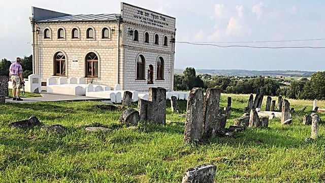 קבר הבעל שם טוב, מז'יבוז' (צילום: יואל רפל)