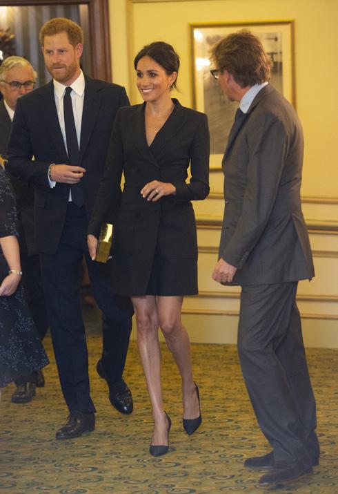 מייגן מרקל בועטת בקוד הלבוש: שמלת המיני שתעצבן את המלכה  (צילום: Dan Charity/GettyimagesIL)