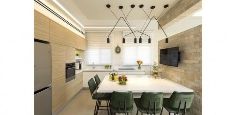 צילום: מושי גיטליס, עיצוב: טלי נחמיאס, באדיבות מחסני תאורה