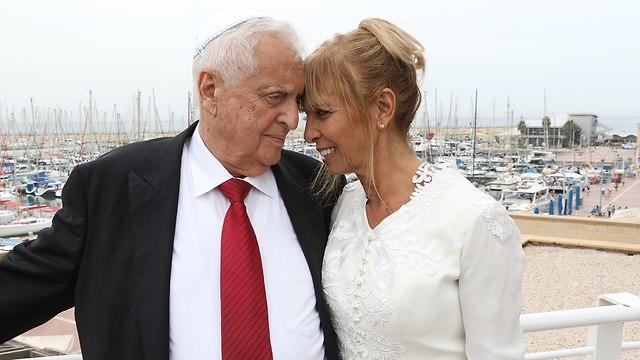 שמואל פלאטו שרון ואשתו (צילום: שאול גולן)