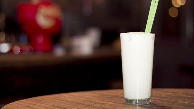 בר הצ'פאנדז חלב הפנתר (צילום: unbuendiaenmadrid)