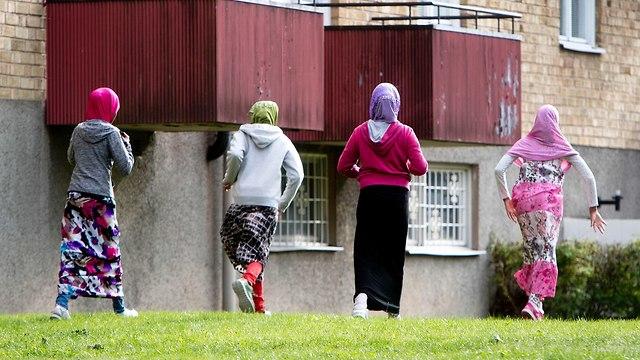 Muslim asylum seekers in Sweden (Photo: AP)