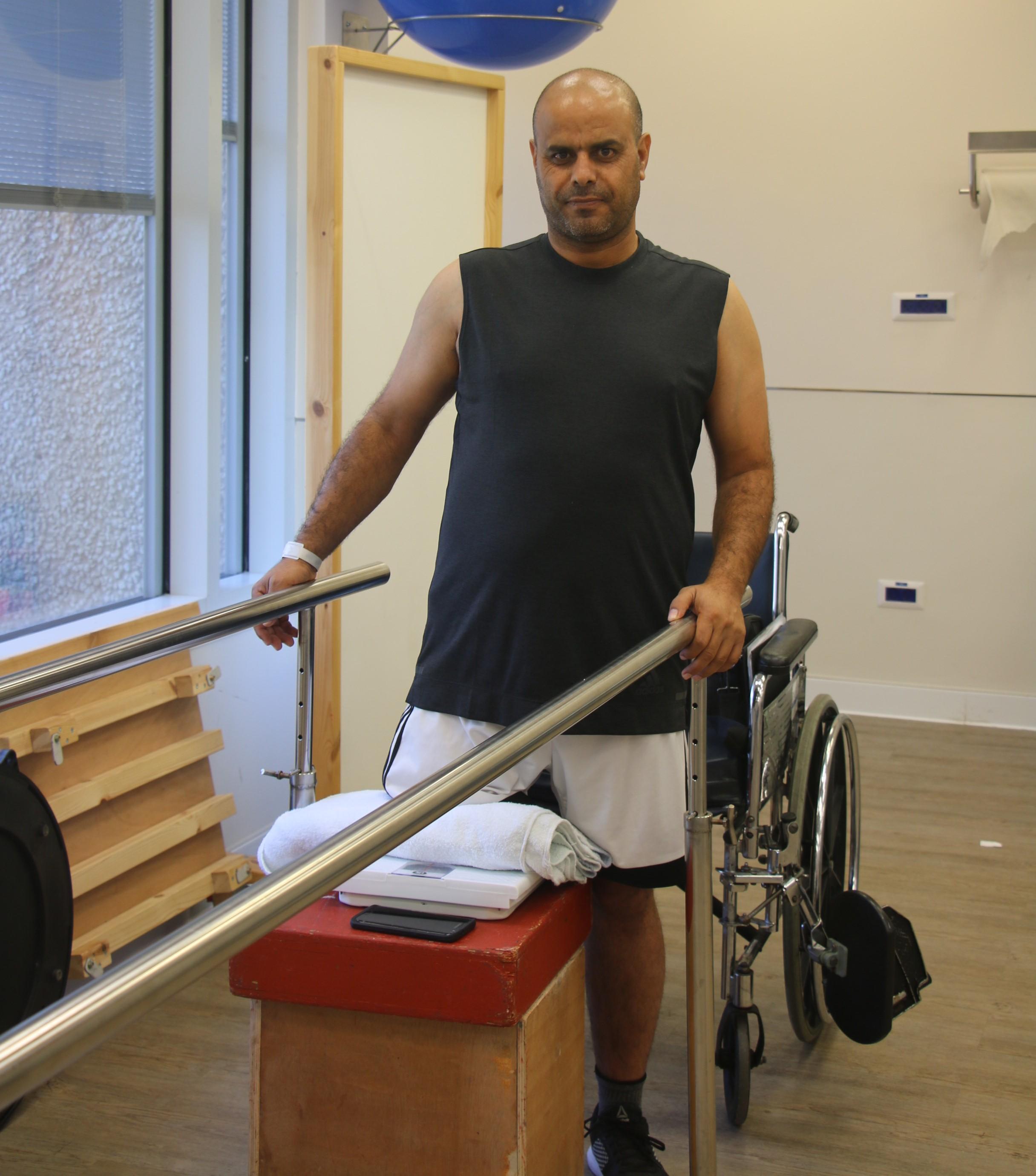 """Талеб Аламор - первый пациент с новым протезом. Фото: больница """"Левинштейн"""""""