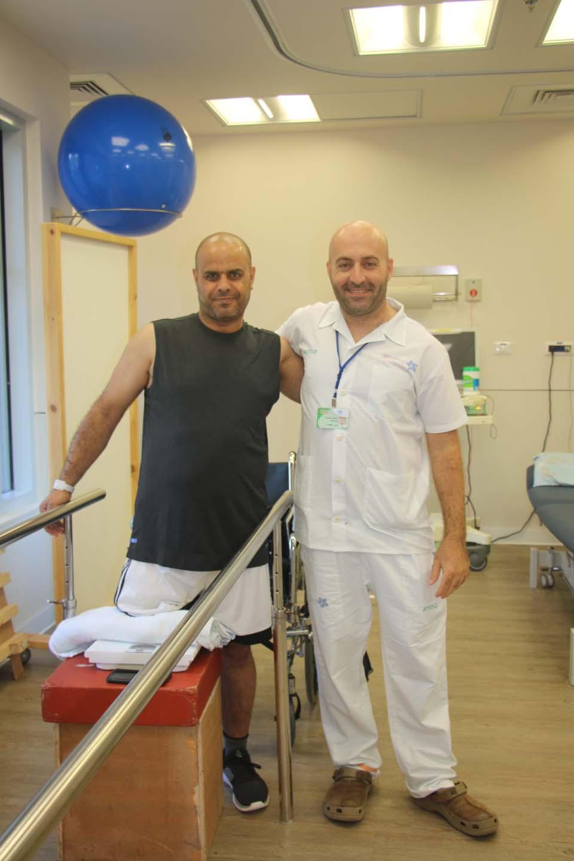 """Талеб во время физиотерапии. Фото: больница """"Левинштейн"""""""
