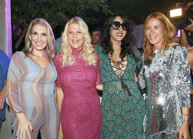עולם האופנה הישראלי בא לפרגן. דורית בר אור, סנדרה רינגלר וגלית לוי מפרגנות לזמרת (צילום: ענת מוסברג)