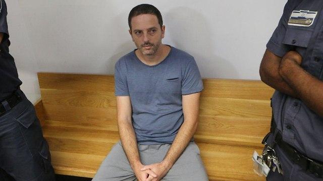 בהגשת כתב אישום נגד בנו ריינהורן (צילום: מוטי קמחי)