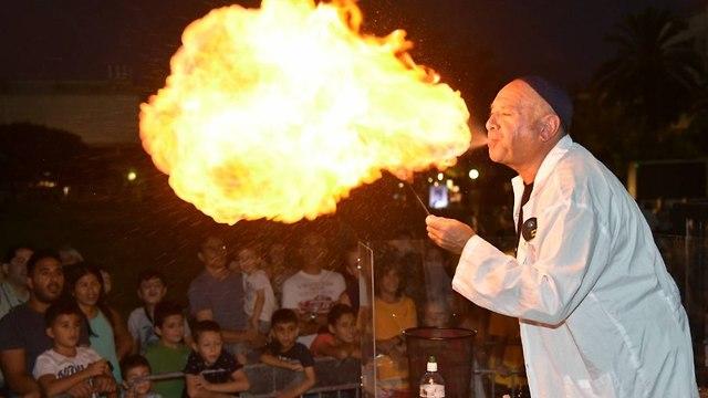 יורקים אש באוניברסיטת תל אביב (צילום: ישראל הדרי)