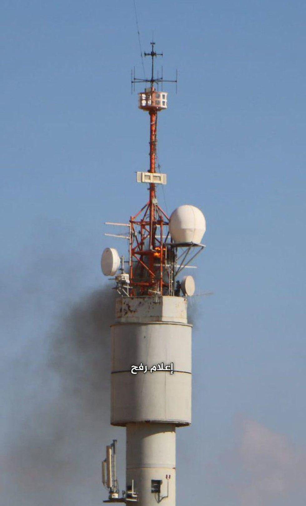 במהלך הפגנה עפיפון תבערה הונחת על מגדל תקשורת ומסר שנמצא סמוך לגדר בדרום הרצועה ()