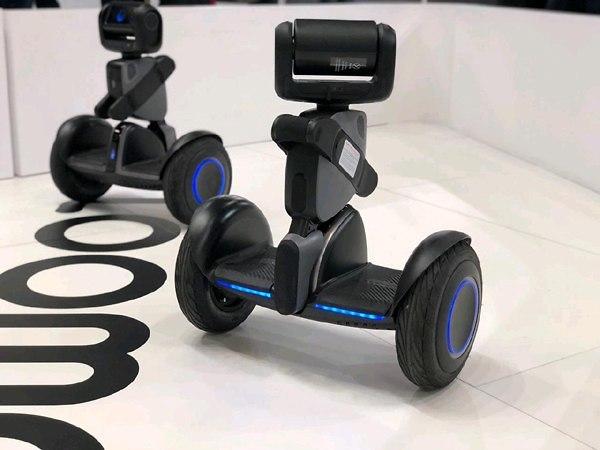 רובוטים שאפשר לרכוב עליהם (צילום: גיא לוי)